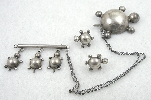 Figural Jewelry - Snakes Turtles Reptiles - Sterling Mama Babies Turtles Chatelaine