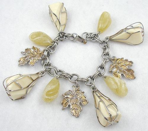 Bracelets - Ivory Plastic Caged Nugget Charm Bracelet