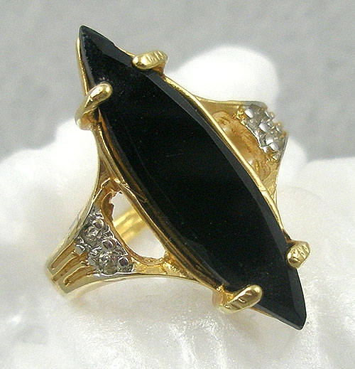 Rings - Vintage Black Glass HGE Fashion Ring