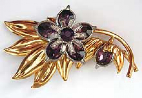 Newly Added Retro Amethyst Oval Glass Floral Brooch