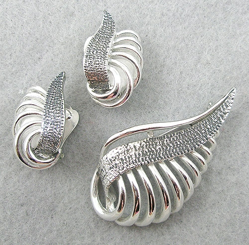 Sets & Parures - Marboux Silver Leaf Brooch Set