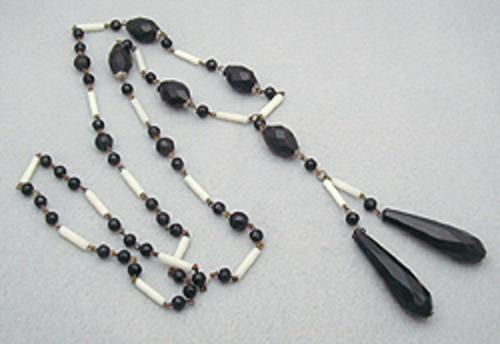 Art Deco - Black & White Bead Flapper Sautoir Necklace