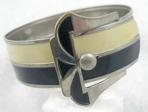 Bracelets - Art Deco Black & Cream Buckle Bracelet