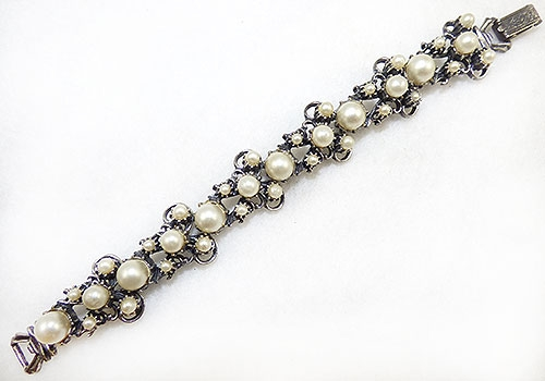 Newly Added Forenza Pearl Butterfly Link Bracelet