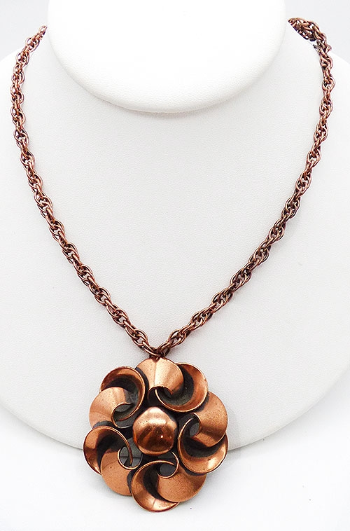 Trend 2020-2021: Circles Hoops and Tubes - Copper Pinwheel Pendant Necklace