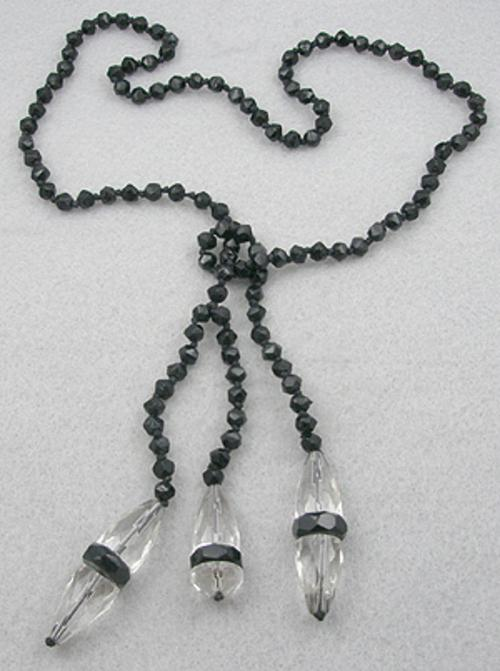 Trend 2020: Lariat Necklaces - French Jet and Crystal Lariat Necklace