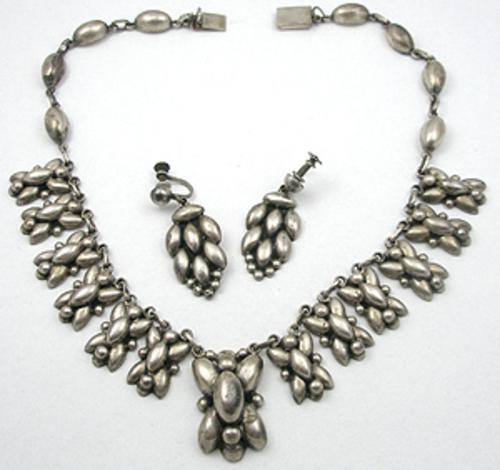 Sets & Parures - Mexican Sterling Necklace Set