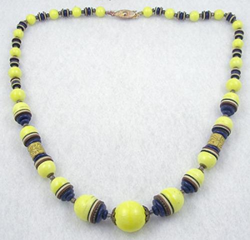 Art Deco - Art Deco Yellow Glass Bead Necklace