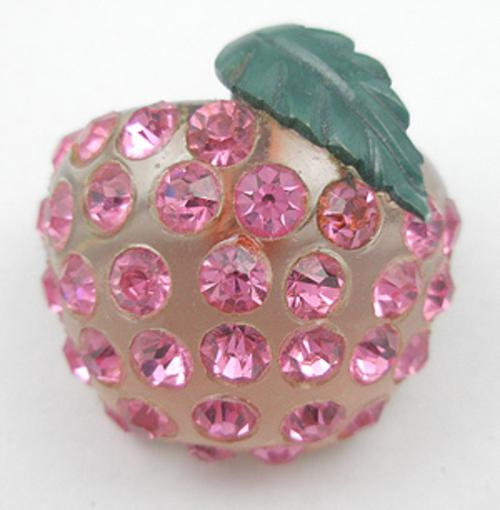 Fruits & Vegetables - Forbidden Fruit Peach Brooch