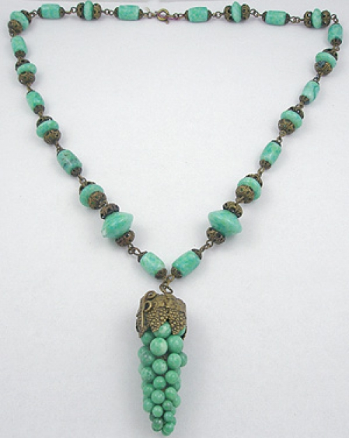 Art Nouveau - Czech Green Glass Grapes Necklace