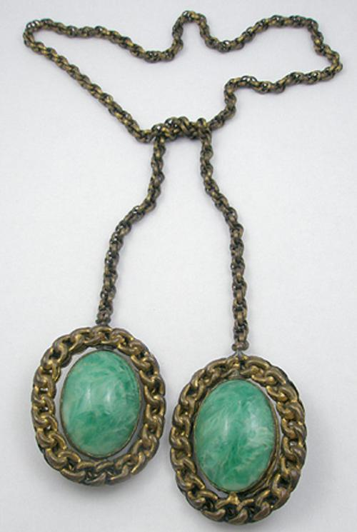 Trend 2020: Lariat Necklaces - Green Glass Lariat Necklace
