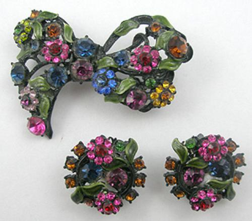 Sets & Parures - Hollycraft Japanned Bow Brooch Set