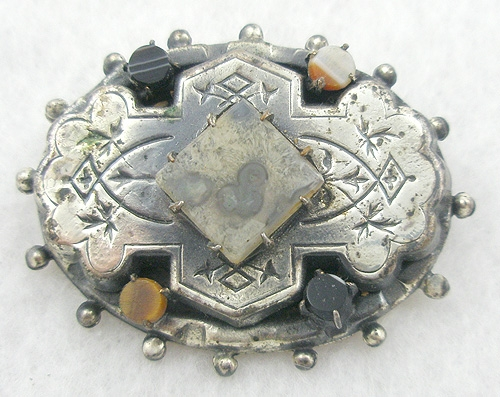 England - Victorian Silver Scottish Agate Brooch