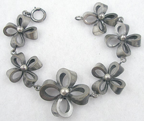 Bows & Ribbons - Joseff of Hollywood Bow Bracelet