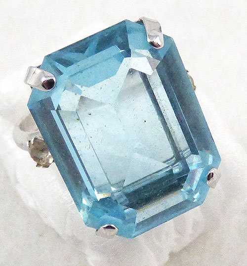Rings - Sarah Coventry Blue Topaz Glass Ring