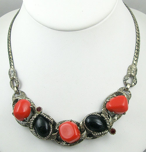 Selro/Selini - Selro Red & Black Lucite Necklace
