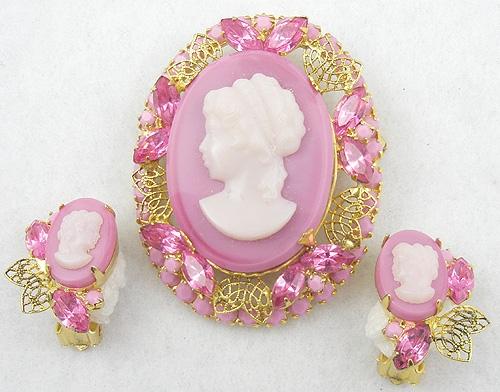 Cameos Intaglios Portraits - DeLizza & Elster Pink Cameo Brooch Set
