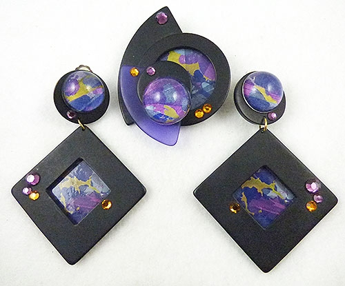 Newly Added Papier-Mâché Collage Brooch Set