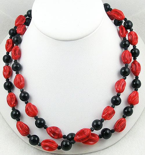 France - French Red & Black Glass Bead Necklace