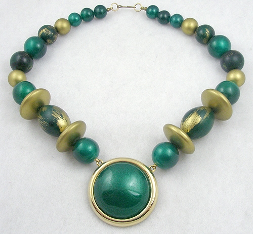 Necklaces - Green and Gold Bead Necklace