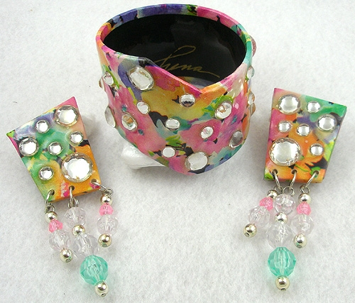 Misc. Signed A-F - Funa 1990 Pastel Flower Bangle & Earrings Set