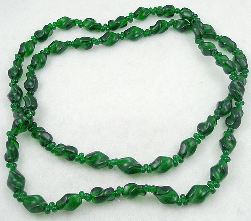 Necklaces - Green Glass Bead Rope Necklace