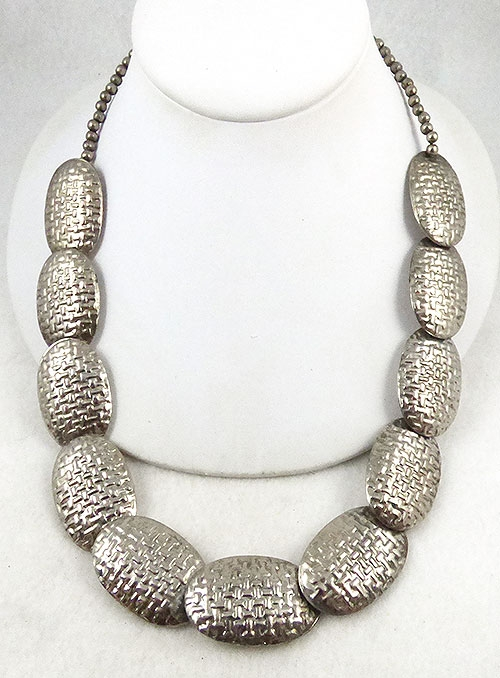 Ethnic & Boho - Silver Basketweave Bead Necklace