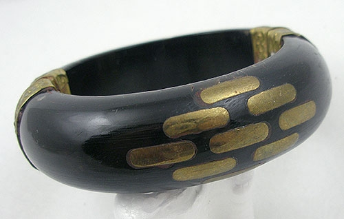 Miscellaneous Countries - India Horn Inlaid Brass Vintage Bangle