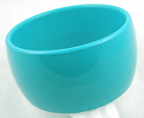Bracelets - Turquoise Plastic Bangle