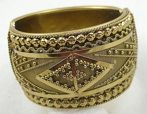 Bracelets - Ornate Gold Beads Clamper Bracelet