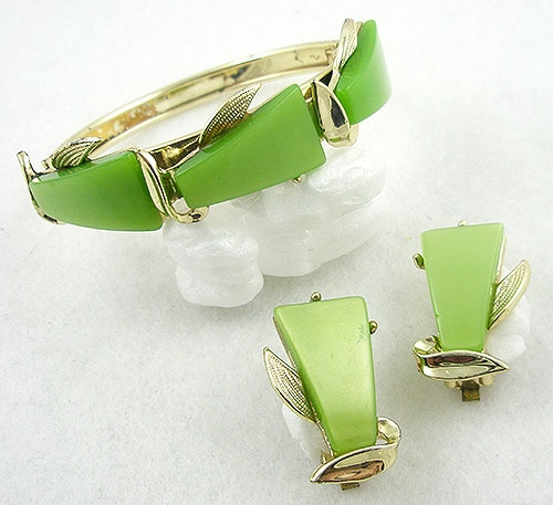 Sets & Parures - Lime Green Thermoset Hinged Bracelet Set