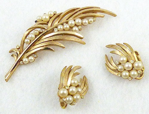 Pearl Jewelry - Trifari Gold and Pearl Leaf Brooch Set
