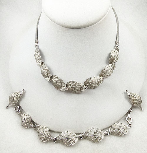 Newly Added Penino Silver Leaves Parure