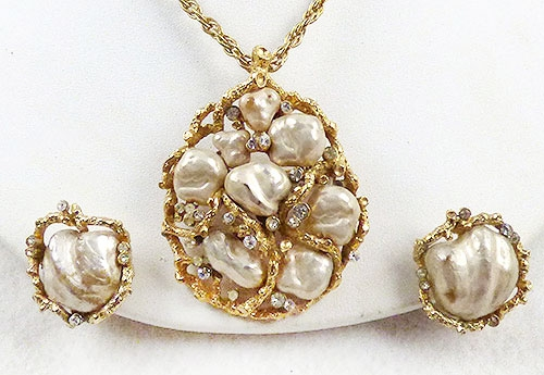 Pearl Jewelry - Coro Pearl Nugget Pendant/Brooch Set