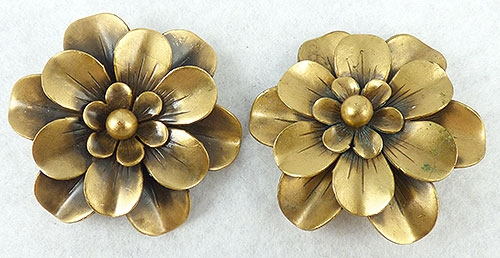 Joseff of Hollywood - Joseff of Hollywood Double Daisy Earrings