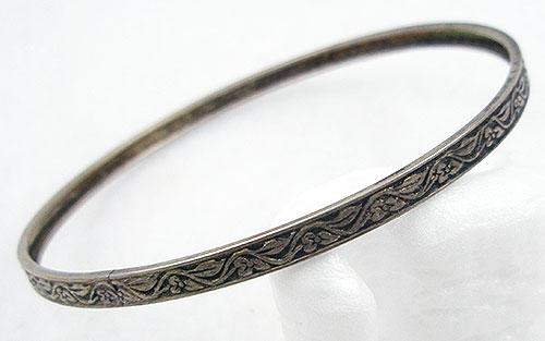 Bracelets - Vintage Sterling Silver Bangle