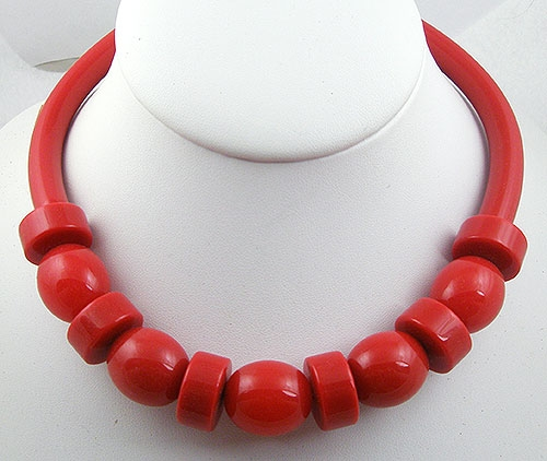 Necklaces - 1980's Red Lucite Necklace
