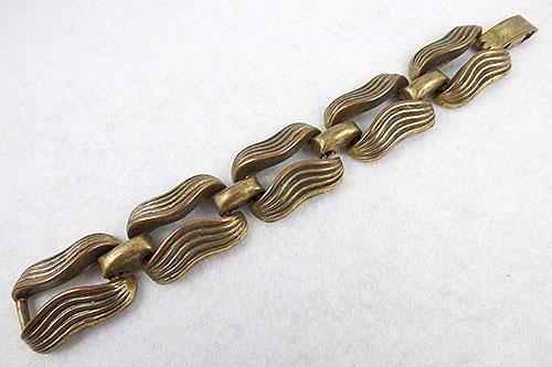 Bracelets - Sculptural Modernist Ribbed Brass Bracelet