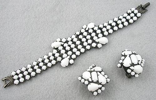 Sets & Parures - Milk Glass Cabochon Bracelet Set