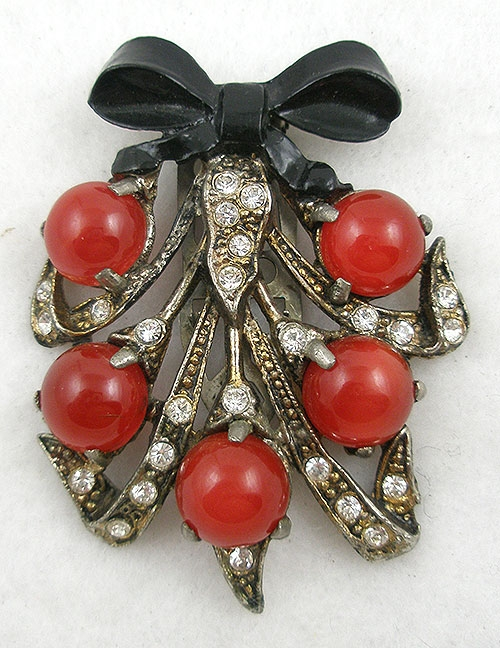 Fruits & Vegetables - Pot Metal Red Moonglow Berries Dress Clip