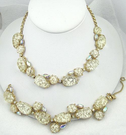 Sets & Parures - Schiaparelli Lucite Necklace & Bracelet Demi Parure