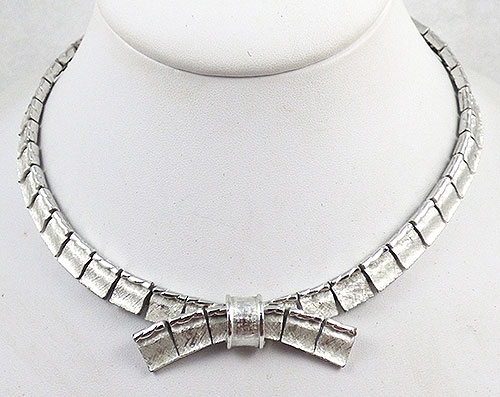 Necklaces - Coro Silver Bow Necklace
