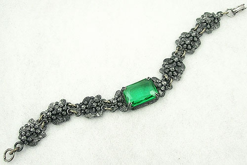 Bracelets - Pot Metal Emerald Green Glass Bracelet