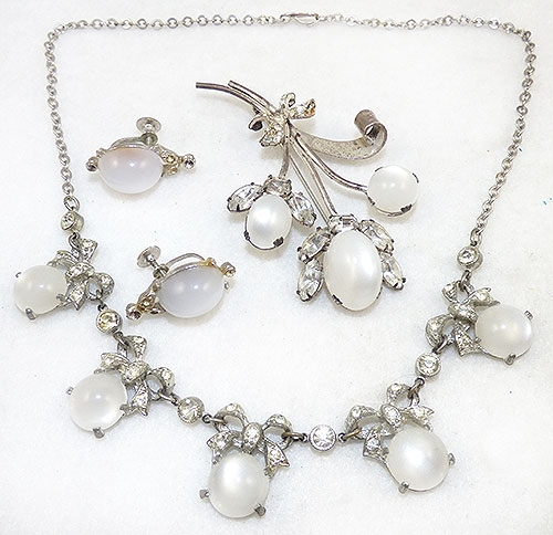 Coro/Corocraft - Corocraft White Mooglow Brooch and Necklace Set