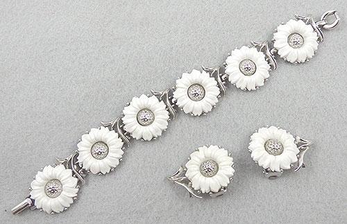 Florals - Trifari White Sunflowers Bracelet Set