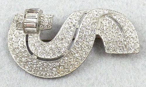 Bows & Ribbons - Reinad Rhinestone Ribbon Brooch