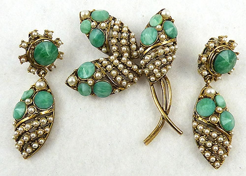 Florals - Hollycraft Jade Glass and Pearl Floral Broch Set