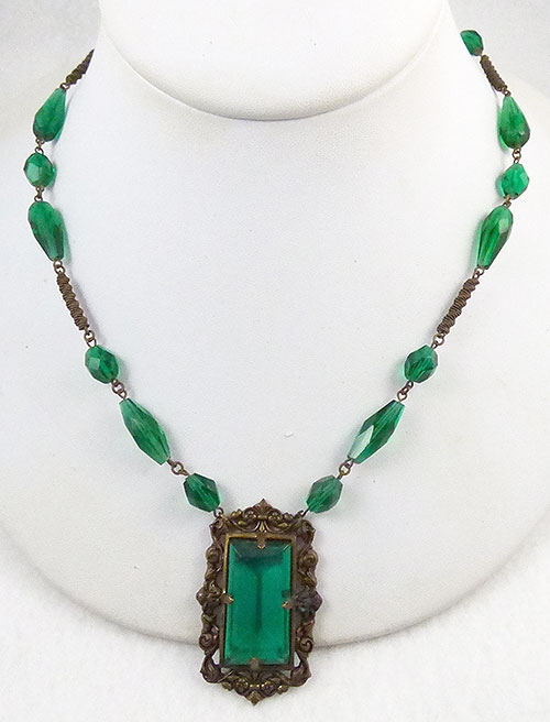 Necklaces - Czech Green Glass Necklace