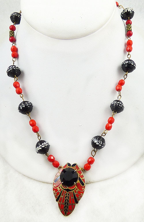 Necklaces - Red and Black Glass Bead Necklace