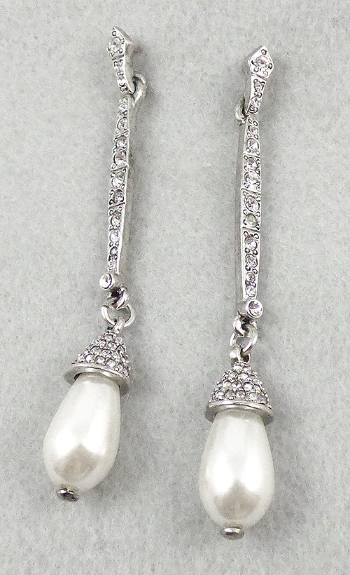 Earrings - Oscar de La Renta Pearl Drop Earrings